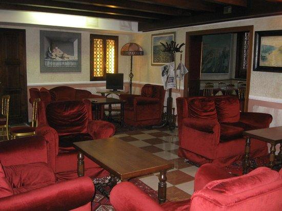 Hotel La Fenice Et Des Artistes: Estar