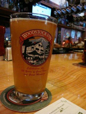 Woodstock Inn, Station & Brewery: bar