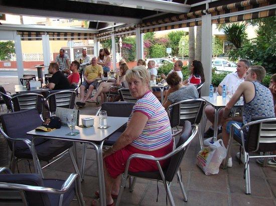 Apartamentos Palm Beach: cheers bar