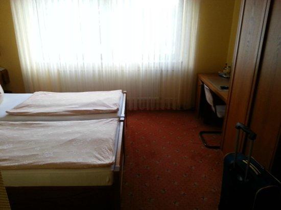 Hotel Bliesbruck: Schreibtisch