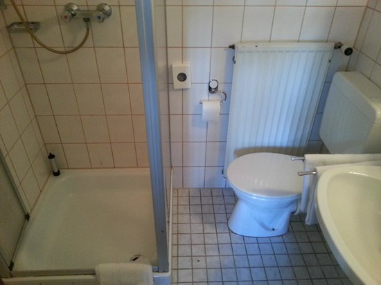 Hotel Bliesbruck: Bad