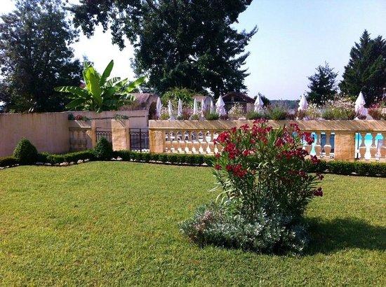 Le Manoir St Jean : vue piscine