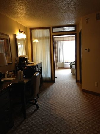 Country Inn & Suites By Carlson, Chanhassen: king room - very large