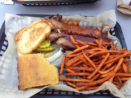 Pigs Eatin' Ribs: brisket with sweet potato fries