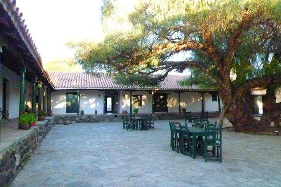 Hacienda de Molinos: Uno de los patios