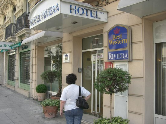BEST WESTERN Hotel Riviera by HappyCulture: Hotellet från gatan.