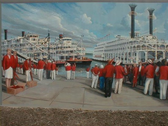 Floodwall Murals: Bands greeting river boats