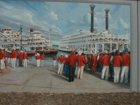 Floodwall Murals: Mural of band at river in Paducah