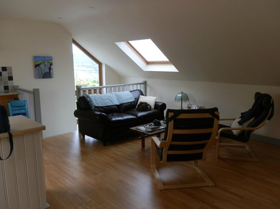 Dildre Cottages: Lounge area