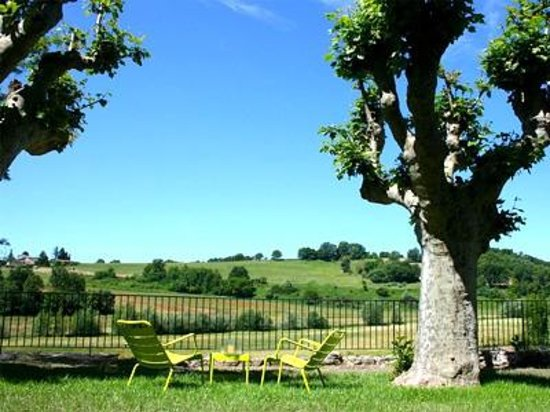 Le Mas de Fontefiguieres : The hotel offers the wonderful setting of nature