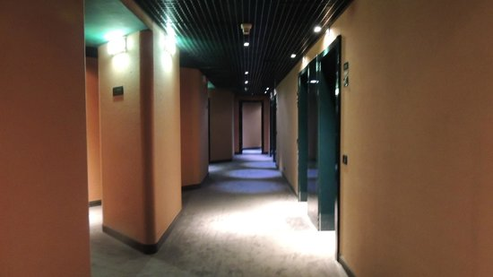 Starhotels President : Corridoio 12° piano