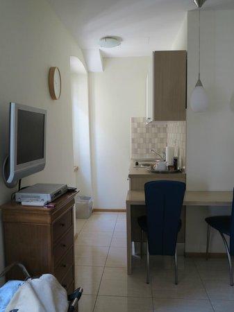 Zephyrus Boutique Accommodation: Our kitchen