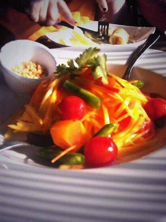 Saigon Thai: Mango salad