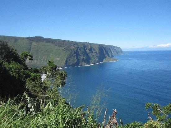 Hale Kukui: cliff's edge