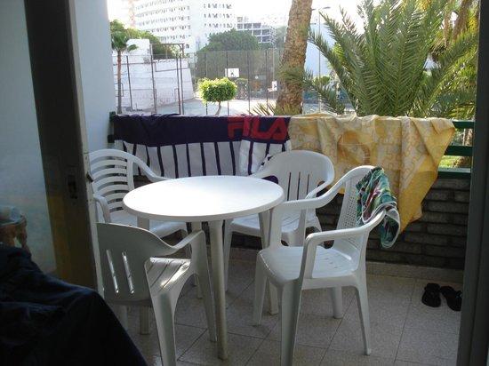 Walhalla Apartments: Balconcino su piscina