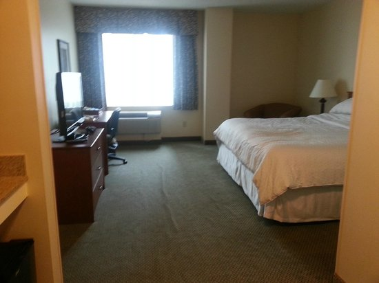 """AC Hotel Chicago Downtown: Small, old and depressing """"Rewards"""" room"""