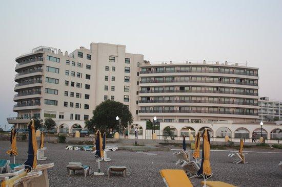 Cactus Hotel: Hotellet set fra vest