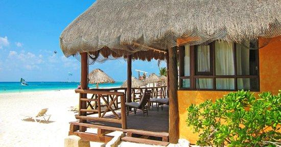 Mahekal Beach Resort : Номер с видом на море