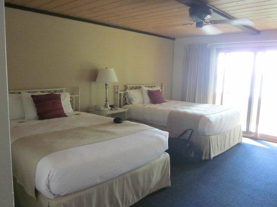 Shallows Resort: 2-Q room