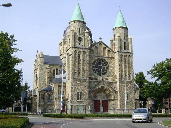 Sint-Lambertuskerk: St. Lambertuskerk, Maastricht, Holanda.
