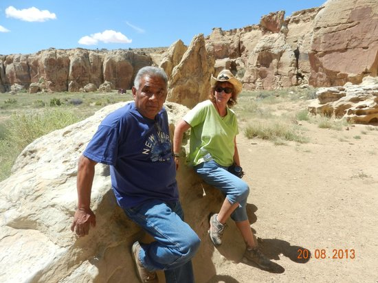 Hotevilla, AZ: Ray and Joyce at the Petroglyphs