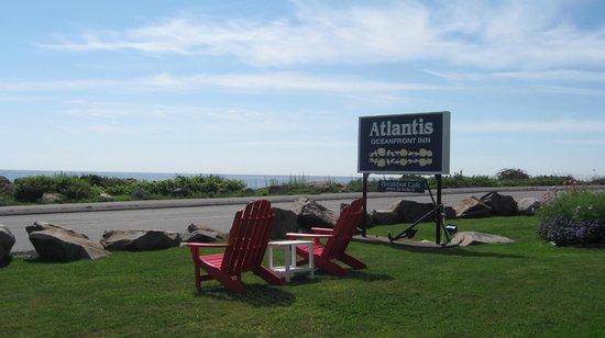 Atlantis Oceanfront Inn : Mid morning