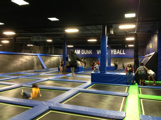 Coconut Creek, FL: OPEN JUMP TRAMPOLINE
