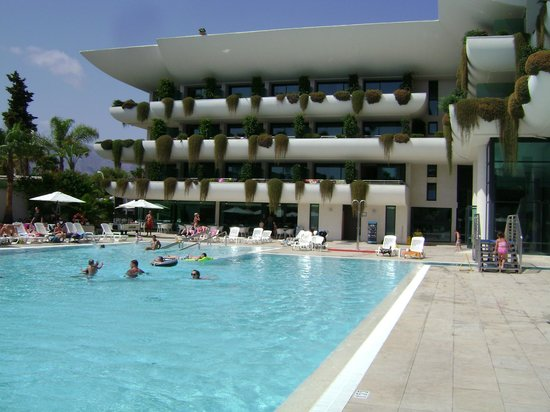 Hotel Deloix Aqua Center: Piscina