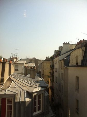 Hotel Jules & Jim : Looking out over the roof tops