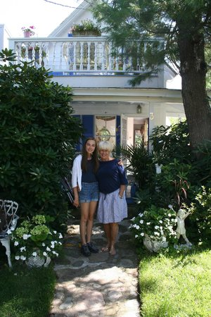 A Lady Winette Cottage Bed & Breakfast : Lady Winette Cottage - Florence Laurain & Suzi Winette
