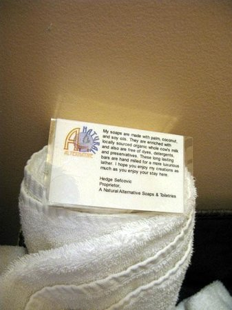 The Maid's Quarters Bed, Breakfast & Tearoom: Organic soaps