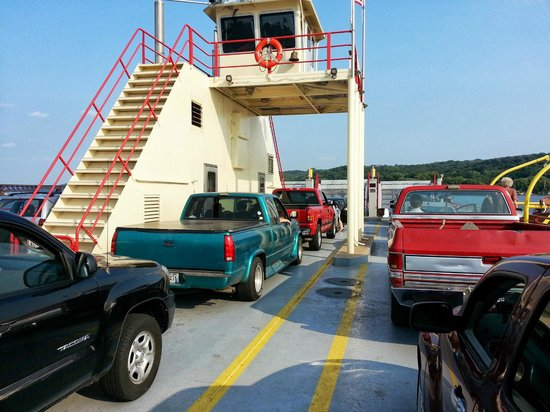 Merrimac Ferry: Ferry