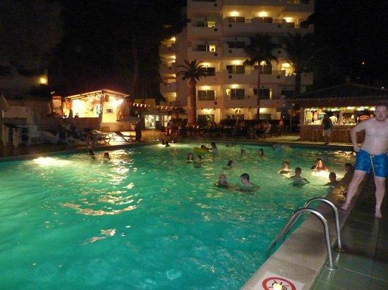 OLA Apartamentos Bouganvillia: Hotel