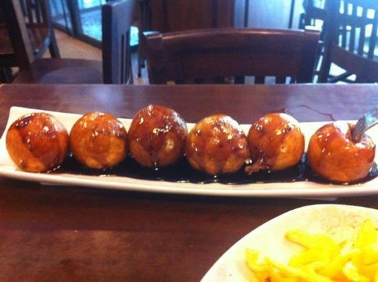 Restaurante Taberna Matahambre: buñuelos de queso de la roda con miel