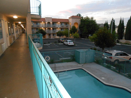 Days Inn Riverside-Tyler Mall : Nice pool, but it was closed