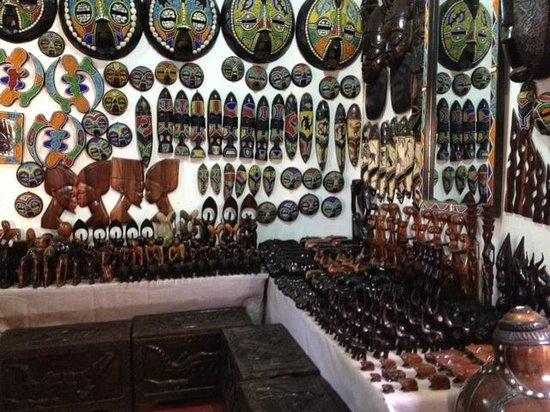 Accra, Ghana : shop2