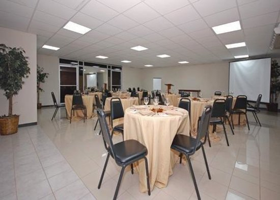 Quality Inn El Tuque: Meeting Room