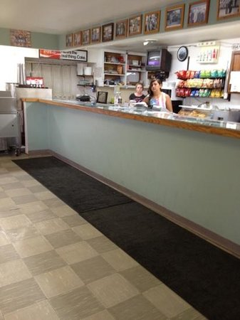 Breadboard : Front counter where you order
