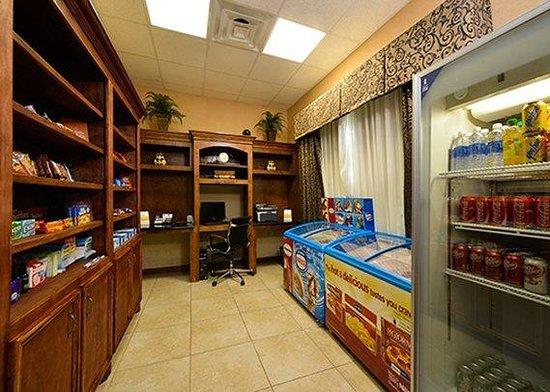Comfort Suites: market place