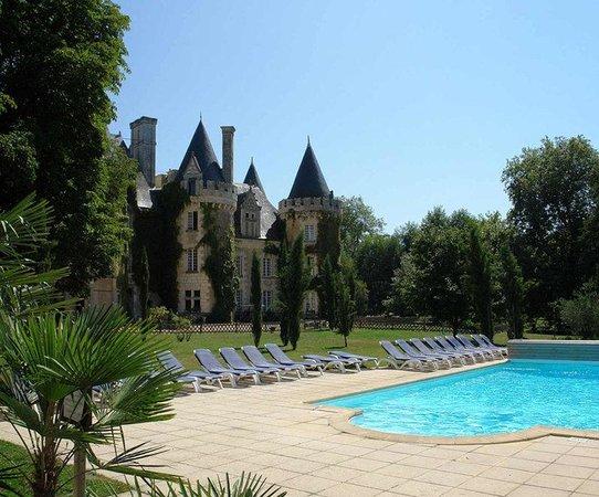 Château Golf des Sept Tours : Exterior pool