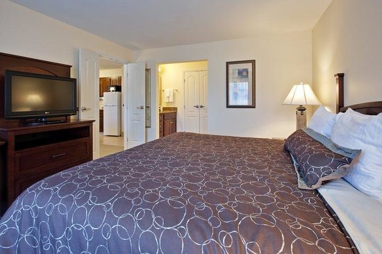 Staybridge Suites Indianapolis - Carmel: Separated bedrooms provide comfort and privacy.