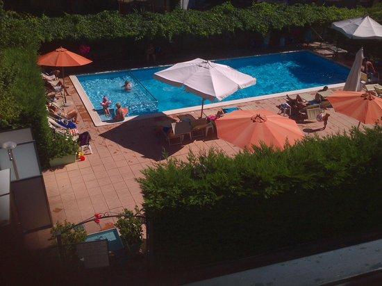 Residence Holidays: la piscina