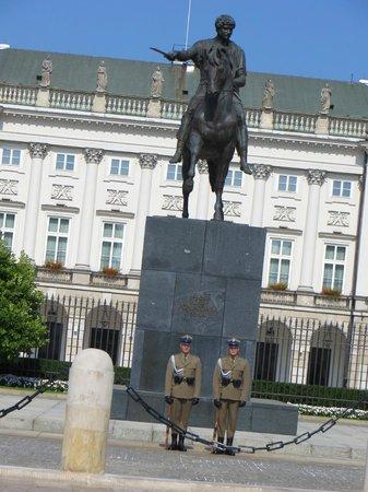 Presidential Palace (Palac Prezydencki): Prince Josef Poniatowski 1763-1813 Monument
