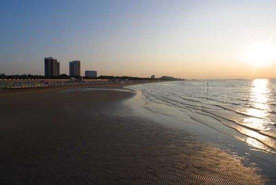Hotel Greif Lignano: Beach View