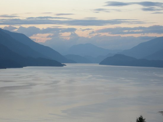 Sechelt Inlet B&B: VIew from our room