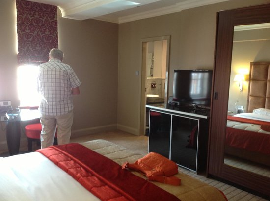 The May Fair Hotel : our room