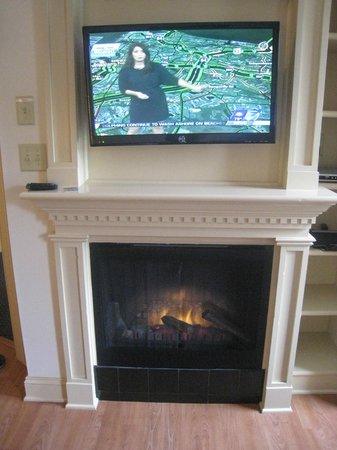 Westgate Historic Williamsburg Resort: fireplace