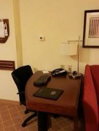 Residence Inn Aberdeen at Ripken Stadium: Desk