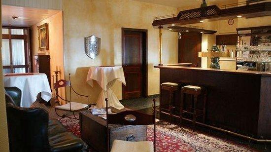 Hotel Burg Staufenberg: Bar