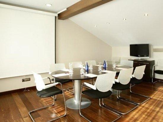 Hotel Villa de San Adrian: Meeting Room